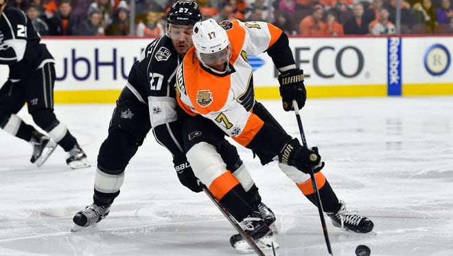Wayne Simmonds and the Flyers are hoping patience pays off in finding offense.