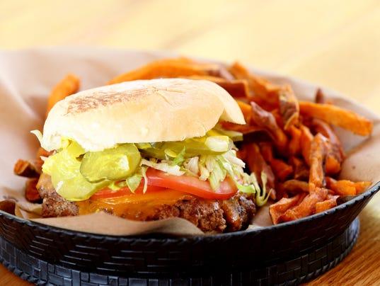 636142082187663935-burger6thepharmacy.jpg