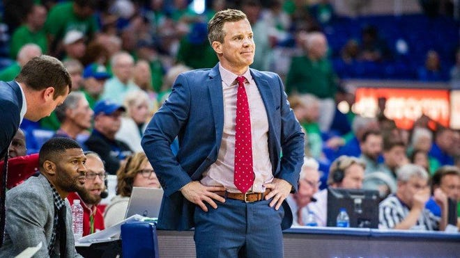 Florida Atlantic men's basketball coach Dusty May coaches a 72-70 overtime loss to Florida Gulf Coast on Nov. 20, 2019.