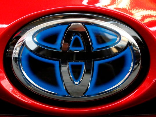 636609488960934912-AP-Toyota-Vehicle-to-Vehicle.jpg