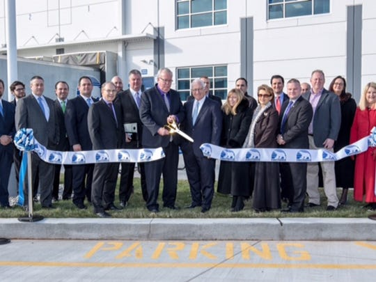 Advance Realty, F. Greek Development, Preferred Freezer Services, and the Township of Woodbridge recently celebrated the opening of the freezer warehouse's new facility.
