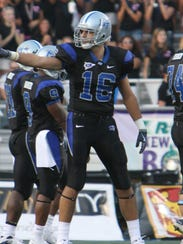 Gene Delle Donne (16) as a receiving tight end at MTSU.