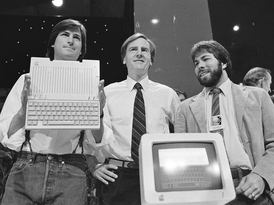 Steve Jobs,Steve Wozniak,John Sculley