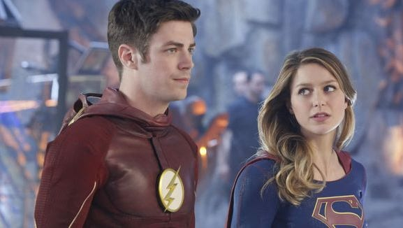 The Flash (Grant Gustin) sprinted into another dimension to team up with Supergirl (Melissa Benoist) on Monday, March 28.