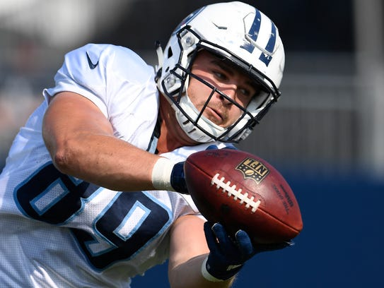 Titans tight end Phillip Supernaw (89) pulls in a pass