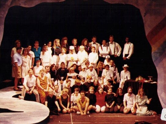 A 1991 Phoenix Productions cast.