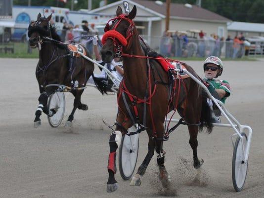 MNJ racing 02.jpg