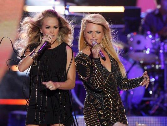 2014 CMT Music Awards - Show (2)