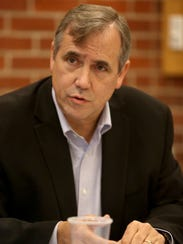 Sen. Jeff Merkley talks with the Statesman Journal