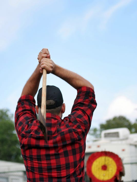 Lumberjack_axe throw.jpg