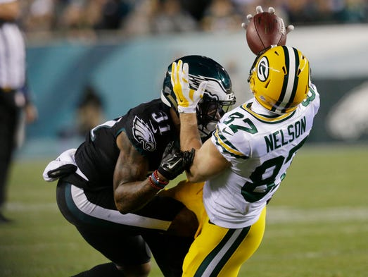 Wide receiver Jordy Nelson make a one-handed catch