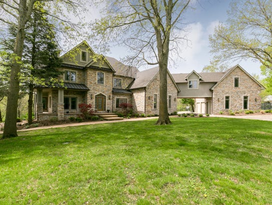 This West Des Moines house sold for $1,057,500.