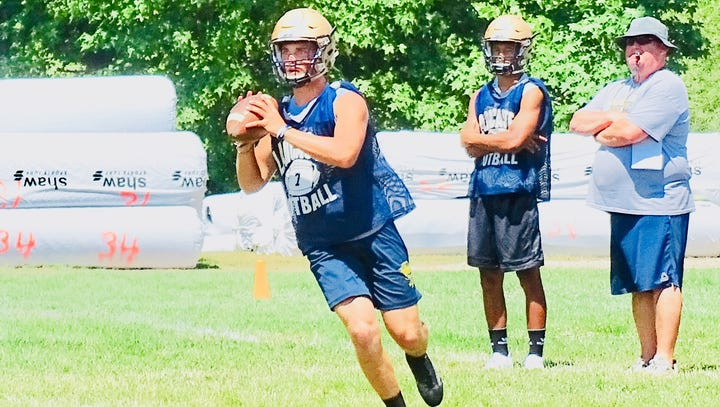 Former players enjoy giving back to Lancaster football