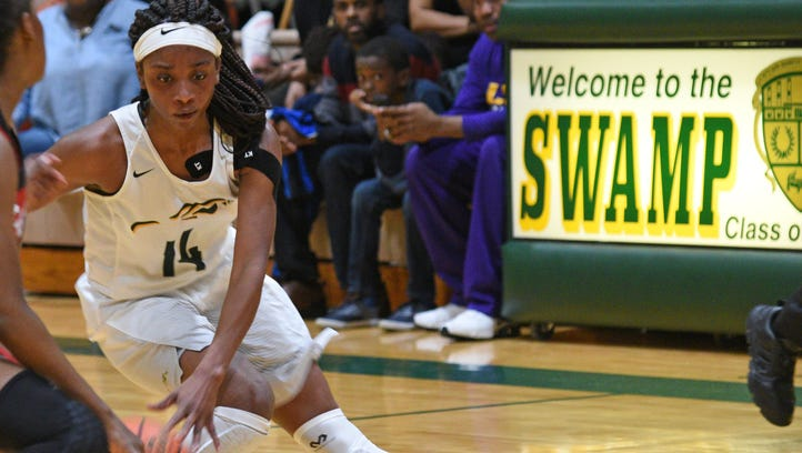 Captain Shreve girls survive 3-point barrage to claim first state tourney berth