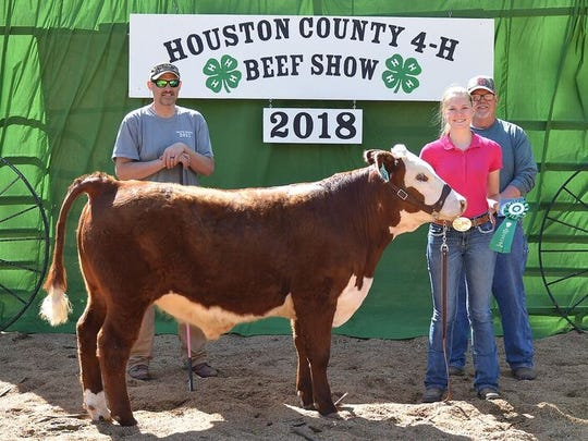 Anna Reedy was the Junior High Showmanship winner.