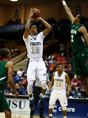 Raeford Worsham (10) posted a double-double in Jackson State's win against Mississippi Valley State on Saturday night.