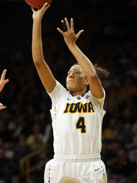 636197657716098963-IOW-0111-Iowa-vs-Illinois-wbb-02.jpg