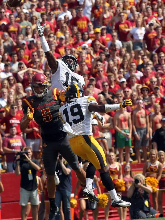 06b279e79 636492859246088699-170909-17-Iowa-vs-ISU-football-ds. Iowa s Joshua Jackson  ...