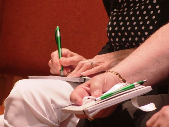 Robin Higgins conducted a mini-workshop on journaling