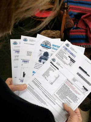 To level your utilities bill, contact Customer Service at (575) 541-2111 and ask to sign up for the Budget Plan.