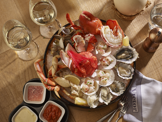 32-The-Victor-Seafood-Selection-Platter-Photo-Credit-Bill-Milne.png
