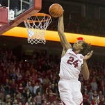 Ex-Arkansas guard Michael Qualls has reportedly signed a free-agent deal with the Thunder.