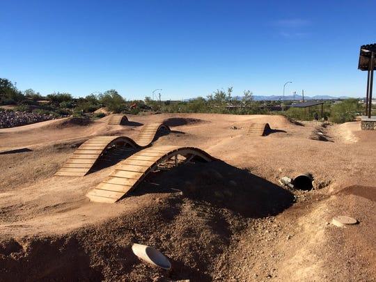 Desert Trails 2