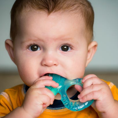 FDA says stop using over-the-counter benzocaine products on teething infants