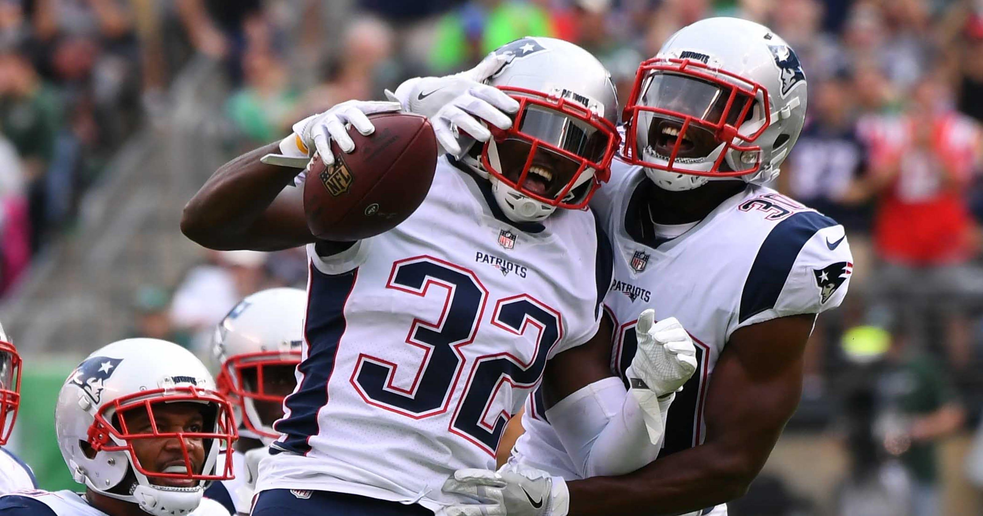 967353987 Patriots defense steps up vs. Jets