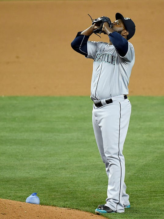 Rodney blows save; Mariners lose 6-5