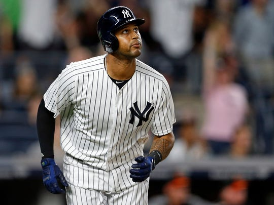 Yankees center fielder Aaron Hicks is day to day on