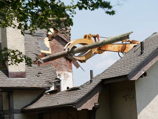 Demolition of Village Hall in Grand View-on-Hudson