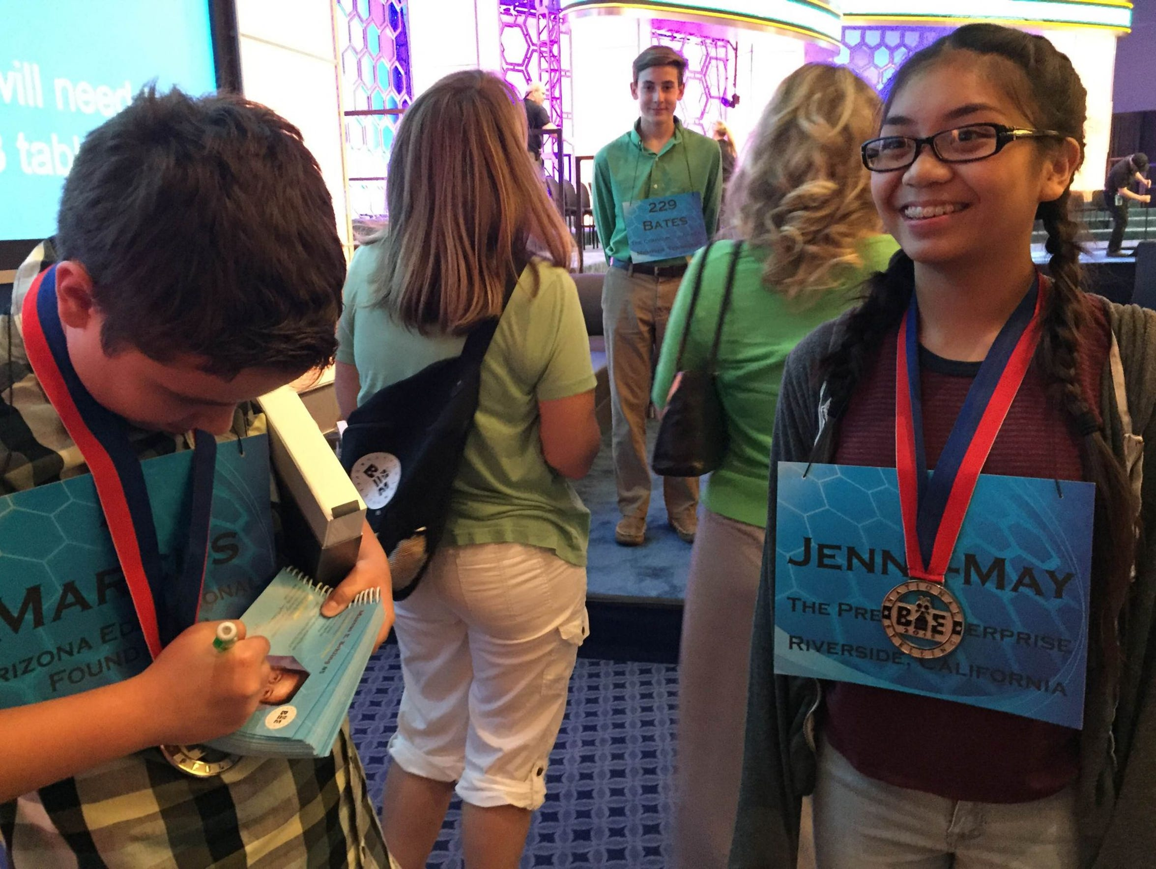 Speller Jenna-May Ingal of California asks for an autograph