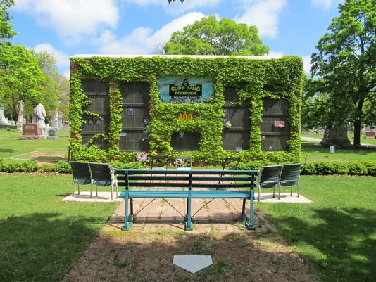 635695284850272110-Beyond-the-Vines-Courtesy-of-Friends-of-Bohemian-National-Cemetery-of-Chicago-rs