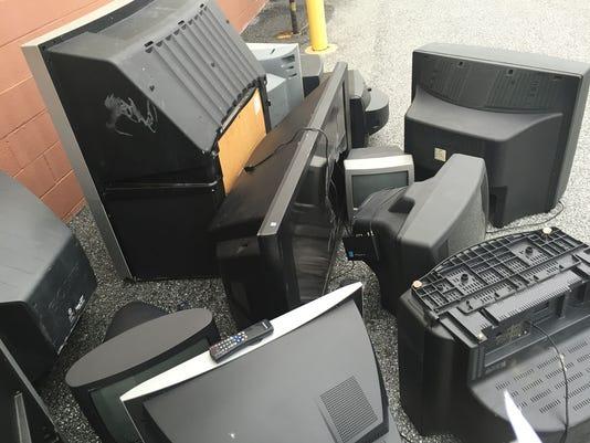 YDR-BS-123115-TVs.jpg