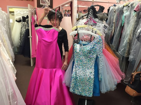 ba899bf315e Prom dress shopping puts designs on bargains