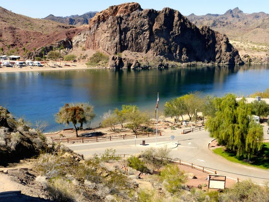 Buckskin Mountain State Park straddles a picturesque section of the Colorado River near Parker, a beautiful combination of stony mountains and sparkling water.