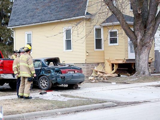 636228355096146348-FON-021517-car-vs-house-crash.jpg