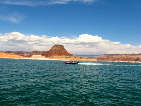 A legislative audit finds Washington County could pay hundreds of millions of dollars to build and operate a proposed water pipeline from Lake Powell in southeastern Utah.