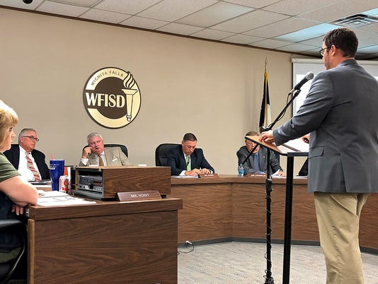 Peter Griffiths speaks to WFISD trustees