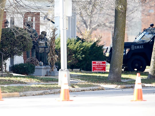 City of Fond du Lac Police and S.W.A.T. members search