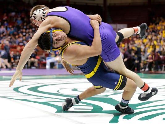 636557069835700455-FON-chilton-hilbert-state-wrestling-semi-final-030318-dcr039-002-.jpg