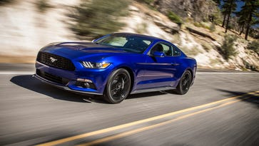 Ford 2015 Premium Coupe Mustang Fastback