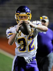 Wylie's Cason Grant catches a pass on the Bulldogs'