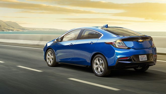 Chevrolet dealers in 11 states are offering $1,000 off the suggested retail price of the 2017 Chevrolet Volt, in addition to the $7,500 federal tax credit and whatever state incentives are available. Chevy is also offering incentives on Volt leases.