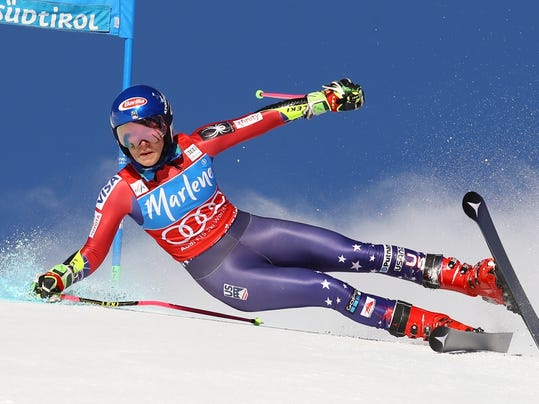 United States' Mikaela Shiffrin speeds down the course during an alpine ski, women's World Cup giant slalom at the Kronplatz resort, in San Vigilio di Marebbe, Italy, Tuesday, Jan. 23, 2018. (AP Photo/Alessandro Trovati)