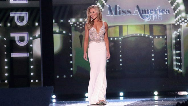 Miss Mississippi Hannah Roberts attends the 2016 Miss America Competition at Boardwalk Hall Arena on September 13, 2015 in Atlantic City, New Jersey.  (Photo by Donald Kravitz/Getty Images for dcp)