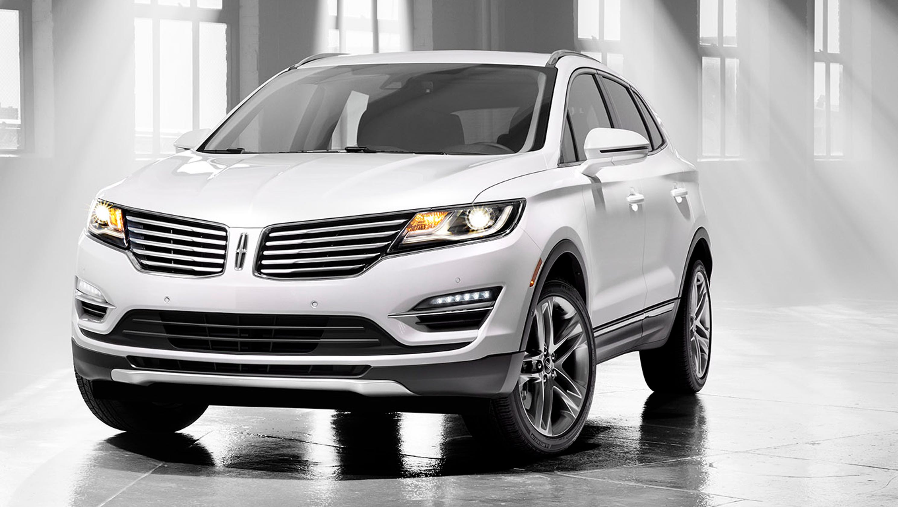 lincoln 39 s mkc delivers luxury to compact suv segment. Black Bedroom Furniture Sets. Home Design Ideas