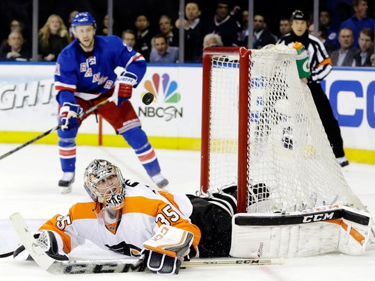Flyers Rangers Hockey_Levi(2).jpg