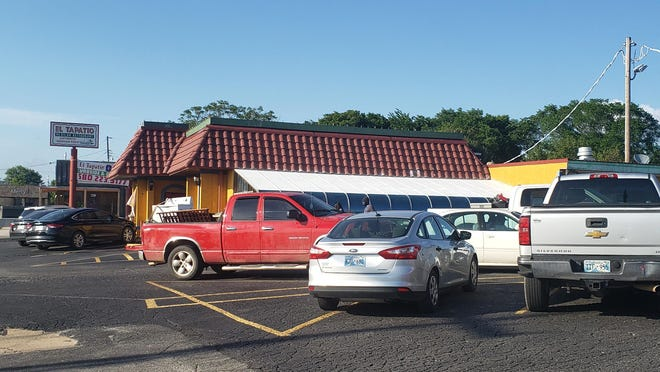 The parking lot at El Tapatio is full Wednesday evening. As more businesses across the area begin opening their doors, the Ardmore Chamber of Commerce hosted two video conference calls outlining the recommendations in place for businesses to reopen while helping employees and customers stay safe.